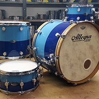 Custom Shop in Blue 2-Tone with Inlay