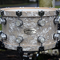 14 x 8 in Antique White Pearl with Wood Hoops
